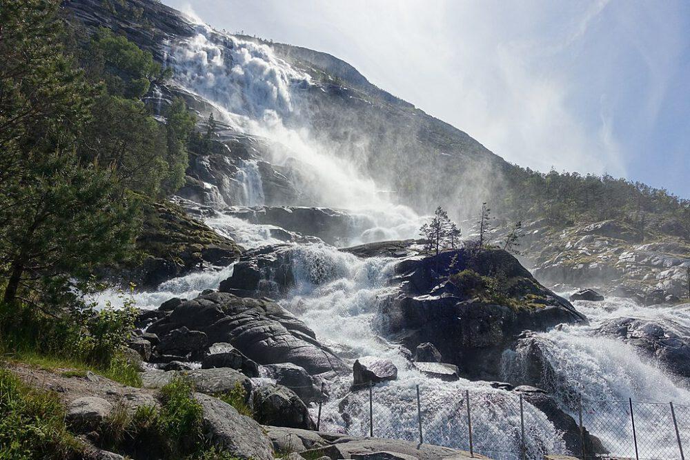 cascate di langfossen foto